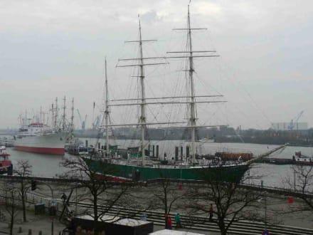 im Hafen - Hafenrundfahrt Hamburg