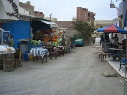 Obststand in ärmsten Verhältnissen - Zentrum Hurghada