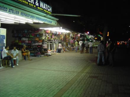Shopping-Meile - Haupt-Einkaufsstrasse