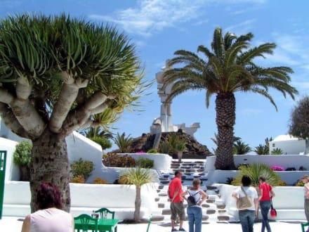 Lanzarote - Monumento al Campesino - Monumento del Campesino