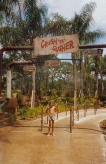 Eingang zur Wasserachterbahn - Disney's Typhoon Lagoon