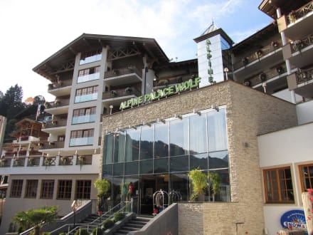Vue - Hotel Alpine Palace New Balance Luxus Resort