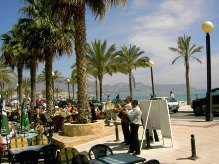 Leben an der Strand-Promenade von Albir - Strandpromenade Albir