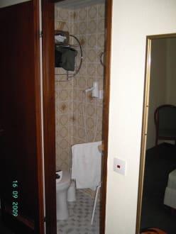 Waschraum - Hotel Sascha's Kachelofen