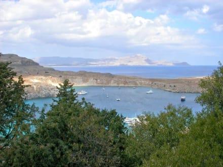 Blick auf den Hafen von Lindos - St. Paul Bucht