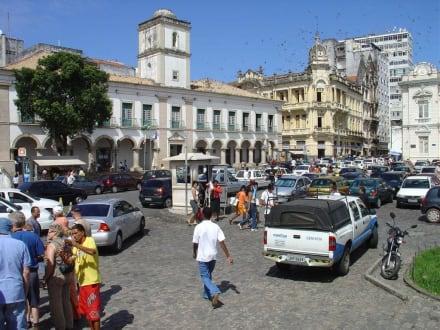 In der Altstadt von Salvador da Bahia - Praça Municipal