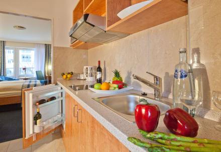 Zimmer mit Separate Küche - Apartment-Hotel Hamburg Mitte