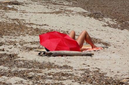 Schirm mit Beine - Strand Can Picafort