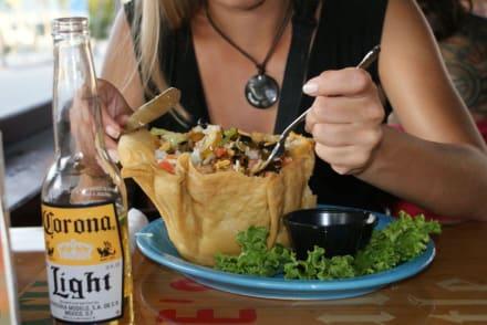 Riesensalat - Yucatan Beach Stand Bar & Grill