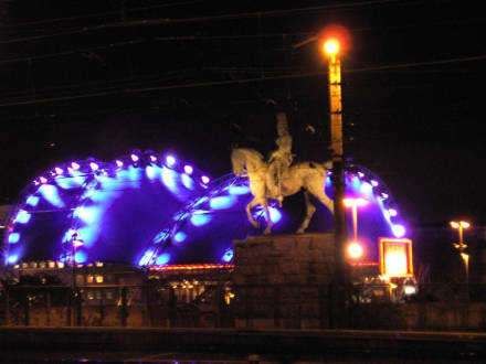 Musical Dome bei Nacht - Musical Queens (existiert nicht mehr)