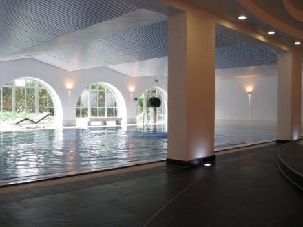 schwimmbad bild hotel schloss montabaur in montabaur rheinland pfalz deutschland. Black Bedroom Furniture Sets. Home Design Ideas