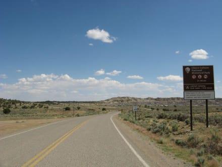 Zufahrtsstraße zum Chaco Canyon - Chaco Culture National Historical Park