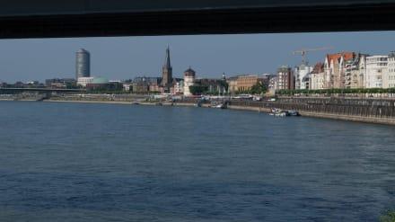 Rheinufer Düsseldorf - Uferpromenade Düsseldorf