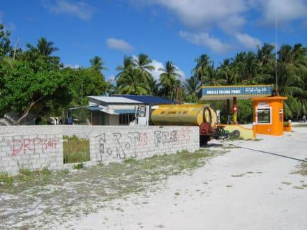 Tankstelle - Radfahren Addu Atoll