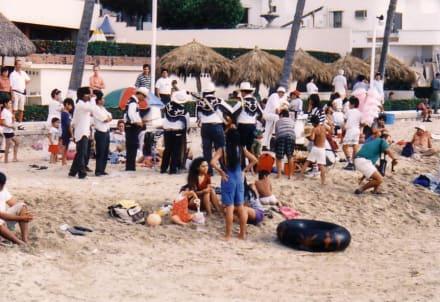 Fiesta - Playa de los Muertes