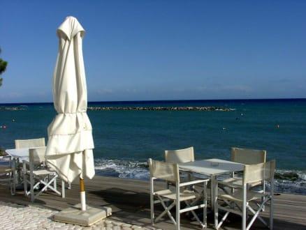 Pebbels: Stylisches Sitzen am Meer - Pebbels