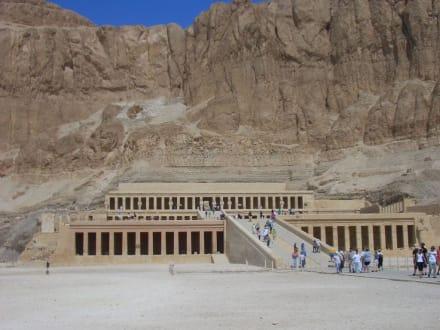 Hatchepsut Tempel - Tempel der Hatschepsut