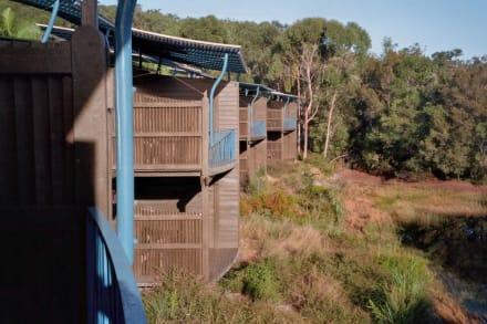 Balkone mit Blick in die Natur - Kingfisher Bay Resort
