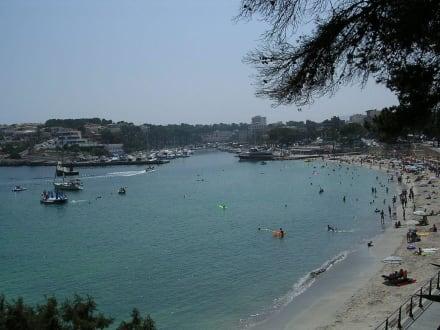 Strand und Hafen Portocristo - Yachthafen Porto Cristo