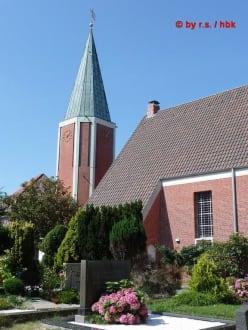 Der ca. 23 Meter hohe Turm - Inselkirche