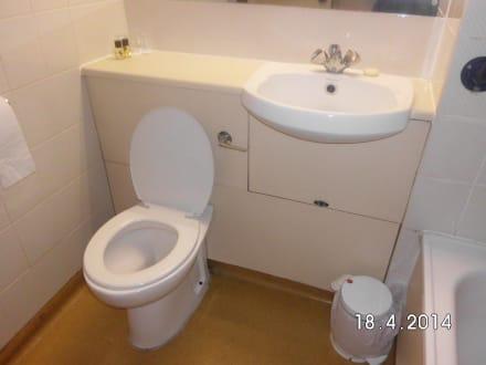 badezimmer klo ohne fenster bild travelodge baldock hinxworth in baldock east england. Black Bedroom Furniture Sets. Home Design Ideas