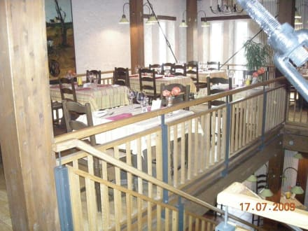 """Restaurant """"Zur Scheune"""" - Victor's Residenz-Hotel Schloss Berg"""