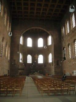Innenansicht - Konstantin Basilika
