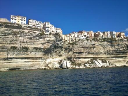 Häuser direkt am Meer, nur für Schwindelfreie - Boot Tour