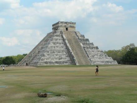 Cichen Itza Hauptpyramide - Ruine Chichén Itzá