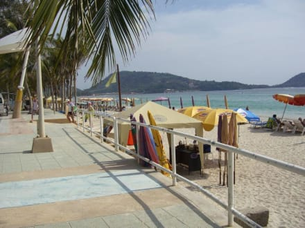 Patong Beach - Nähe des Graceland Resort - Strand Patong Beach