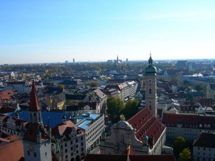 Blick auf München - Pfarrkirche St. Peter (Alter Peter)