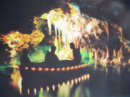 Unterirdischer See in der Höhle - Coves dels Hams / Hams Höhlen