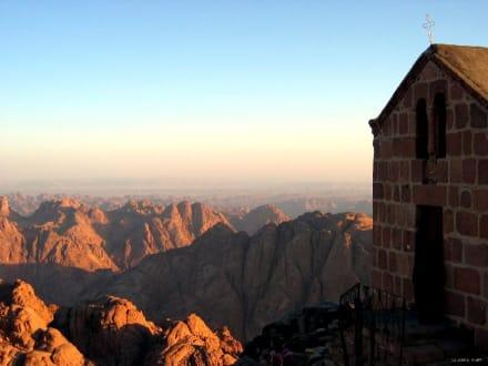 Sonnenaufgang auf dem Mosesberg in 2300m - Mosesberg (Gebel Musa) / Berg Sinai