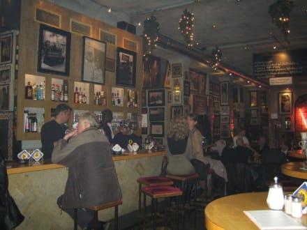 Bar nachts um 1 - Ständige Vertretung