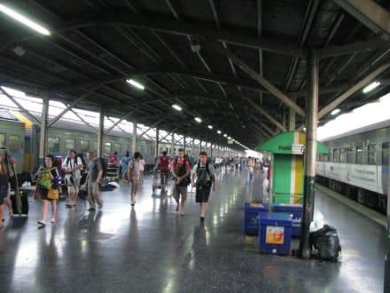 Bahnsteig Hauptbahnhof - Hauptbahnhof Bangkok