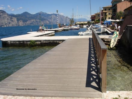 Strandpromenade in Brenzone: Castelletto - Strandpromenade Brenzone