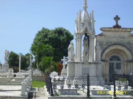 Friedhof für Reiche in Havanna (alter Teil) - Friedhof Cementerio Cristóbal Colón