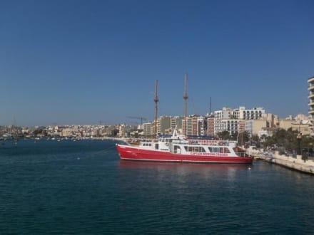 Blick auf die Anlegestellen von Sliema - Captain Morgan Cruises