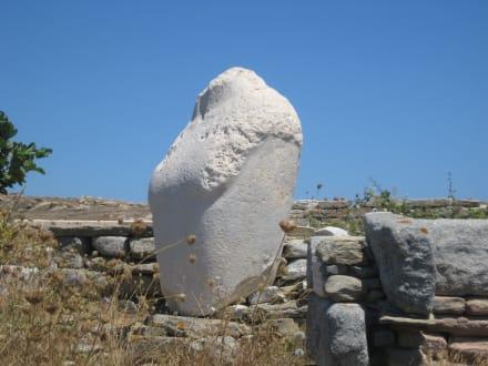 Der Rumpf des Kolosses - Insel Delos