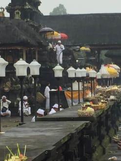 Zeremonie - Guide Otto Nusa Dua