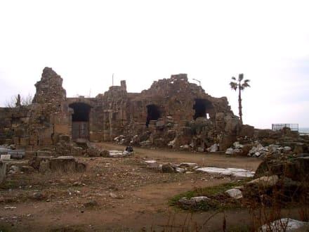 Ausgrabungen bei Side - Ruinen Side
