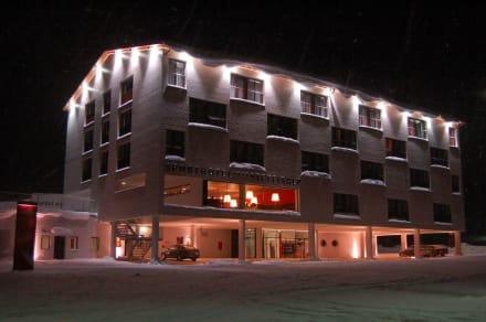 Steffisalp bei  Nacht - Sporthotel Steffisalp