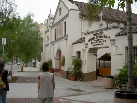 Die Mission an der Olvera Street - El Pueblo de Los Ángeles State Historic Park