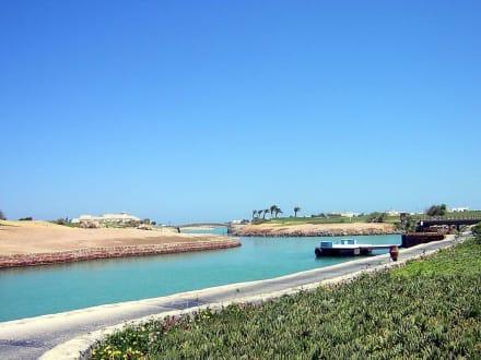 Anlegestelle am Steigenberger Resort - Lagunenfahrt durch El Gouna