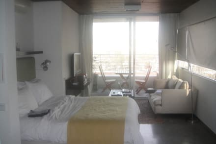 Zimmer 9D - Hollywood Suites & Lofts 1
