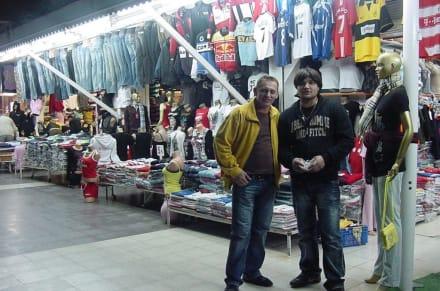 Thomas (links) Starverkäufer Ünal Boutique  - Ünal Boutique