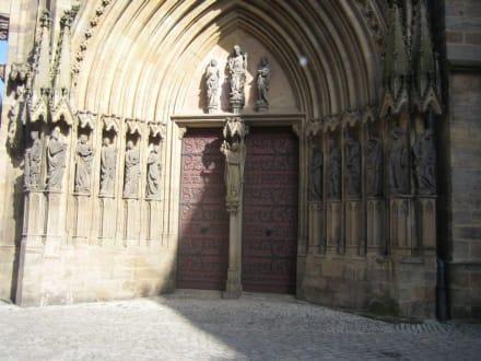 Ein Eingang. - Erfurter Dom