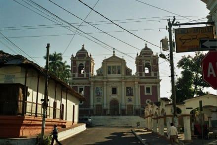 Iglesia El Calvario - Kirche El Calvario