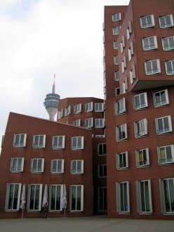Neuer Zollhof - MedienHafen Düsseldorf