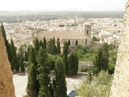 Blick auf Arta - Almudaina d'Arta / Festung